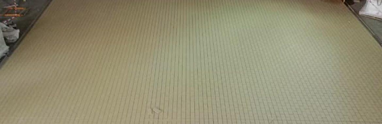 Nave de envasado de Estrella Galicia con loseta antiácido